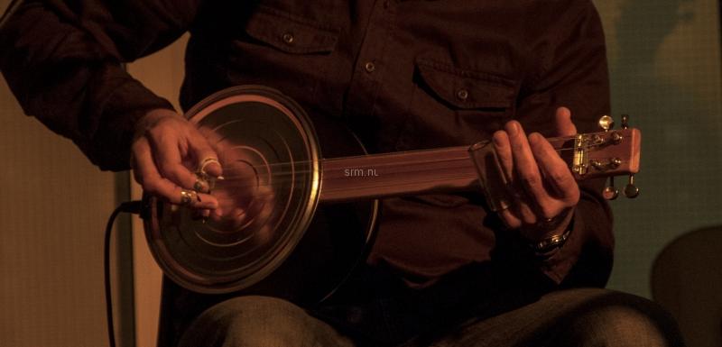 Olavogkakeboksgitaren